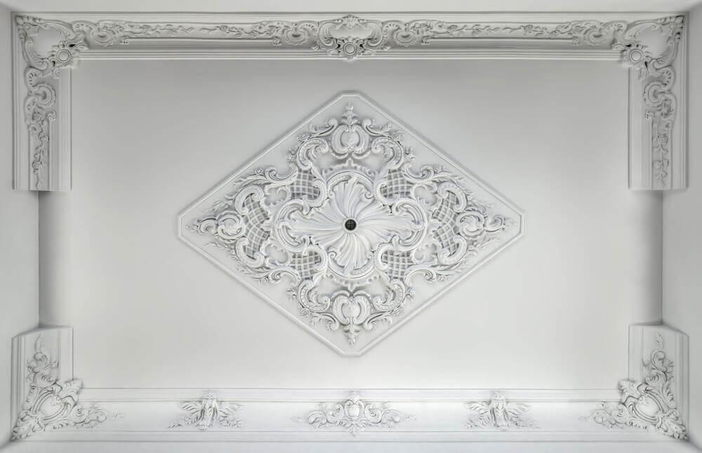 Mooie bewerking in het plafond