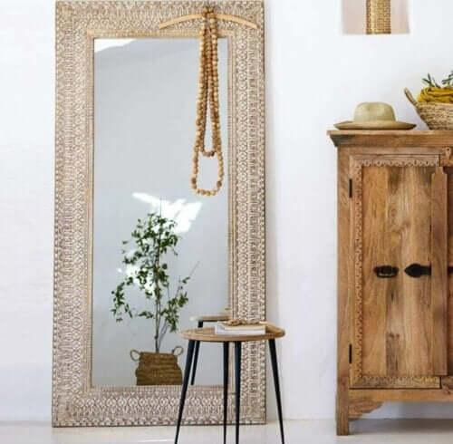 Staande spiegels weerspiegelen de schoonheid van je huis