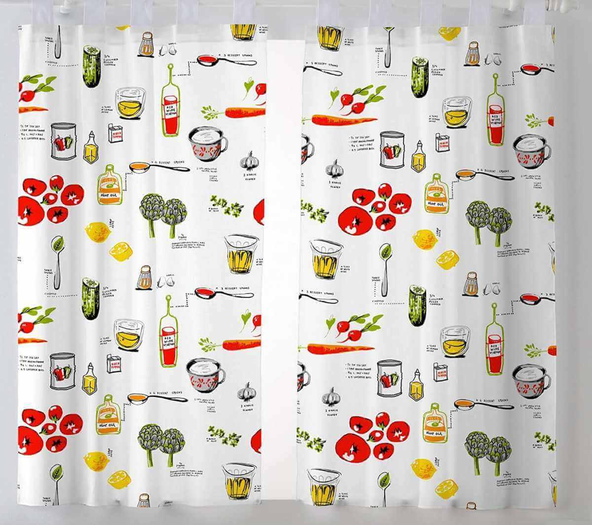 Gordijnen met prints voor een keuken