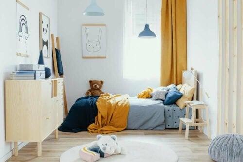 Een blauw-oranje slaapkamer