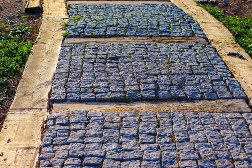 Tuinpad met steentjes aanleggen