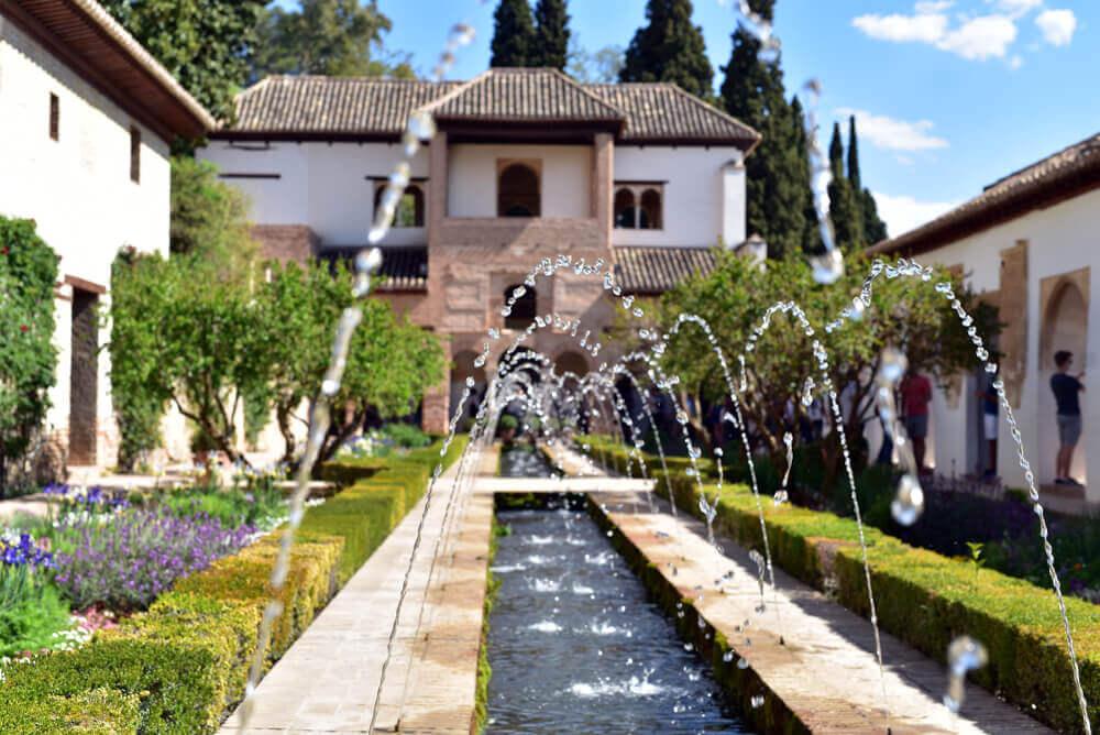 Beekloop met fontein