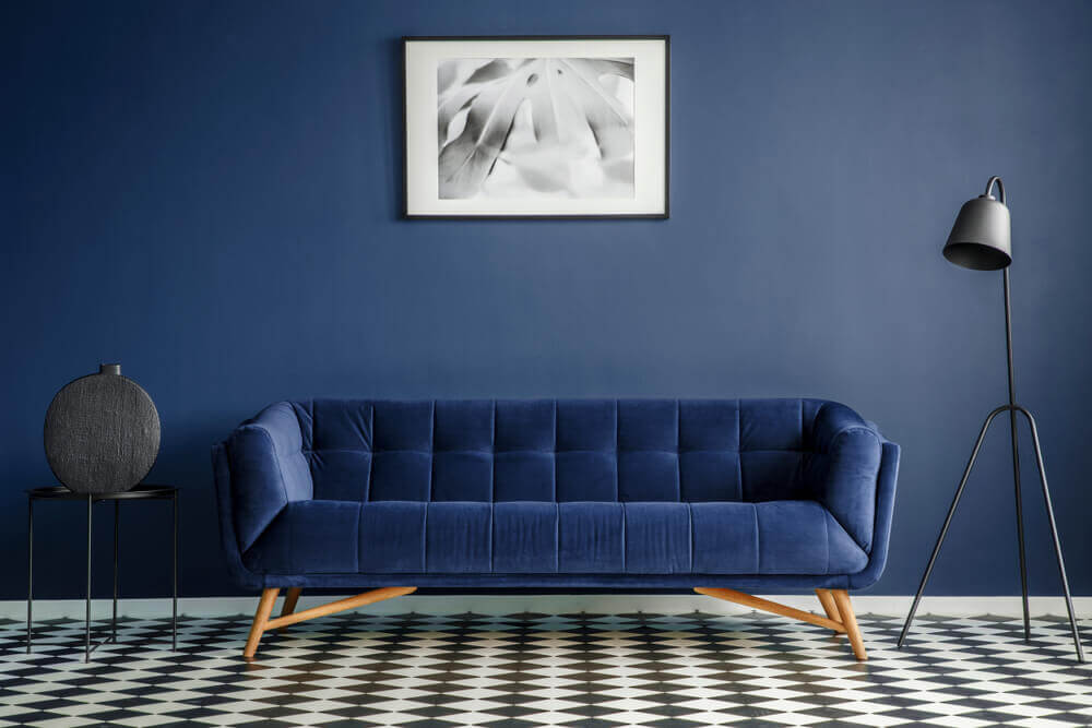 Woonkamer met een vloer met textuur