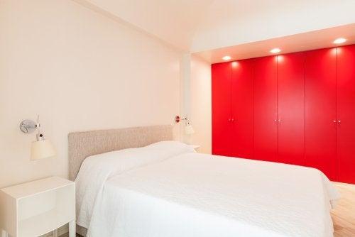 armários vermelho