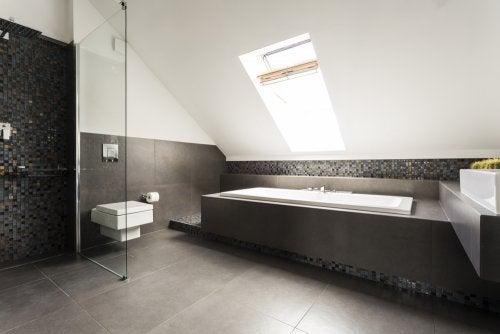 tipo de decoração de sótão com banheiro