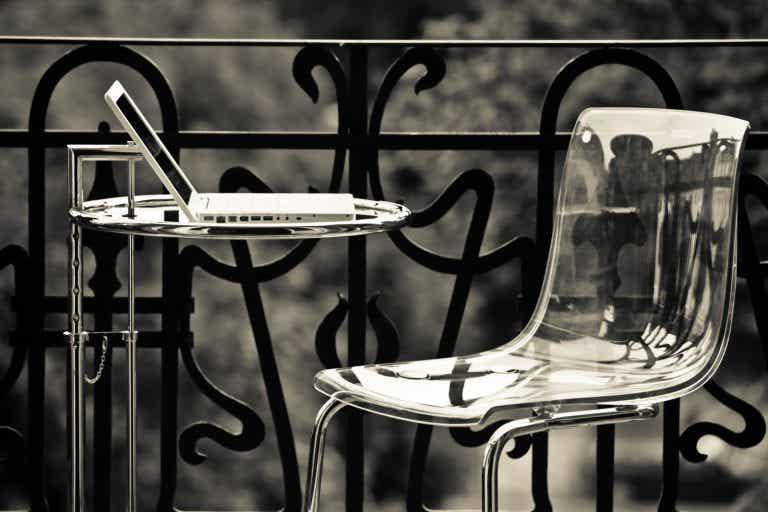 Cadeiras de acrílico: uma maneira elegante de ganhar espaço