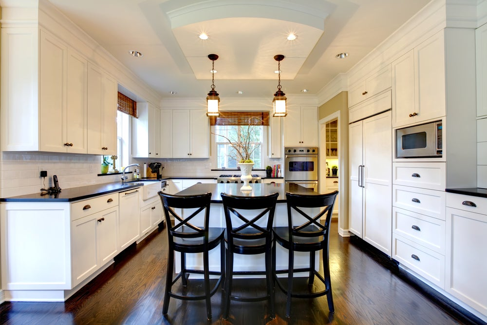Cozinhas para apartamentos pequenos abertas para a sala de estar