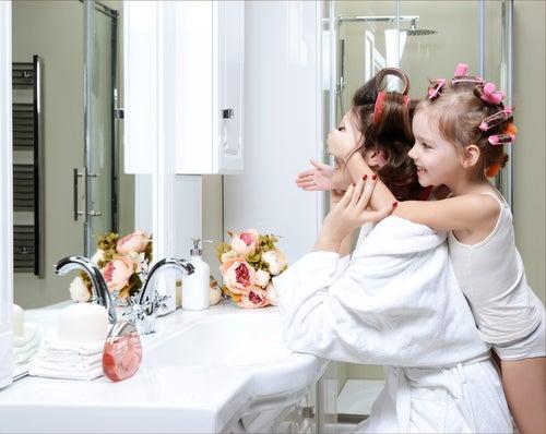 Dicas para dar um toque feminino ao banheiro