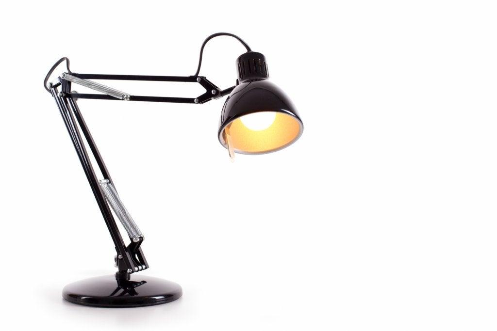 4 ideias de luminárias de mesa para o seu escritório