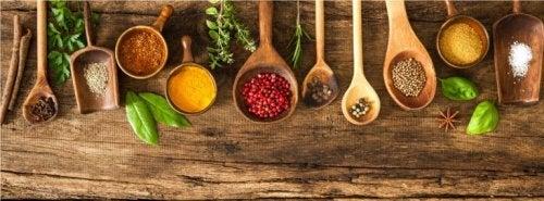 Ideias para decorar cozinhas de madeira