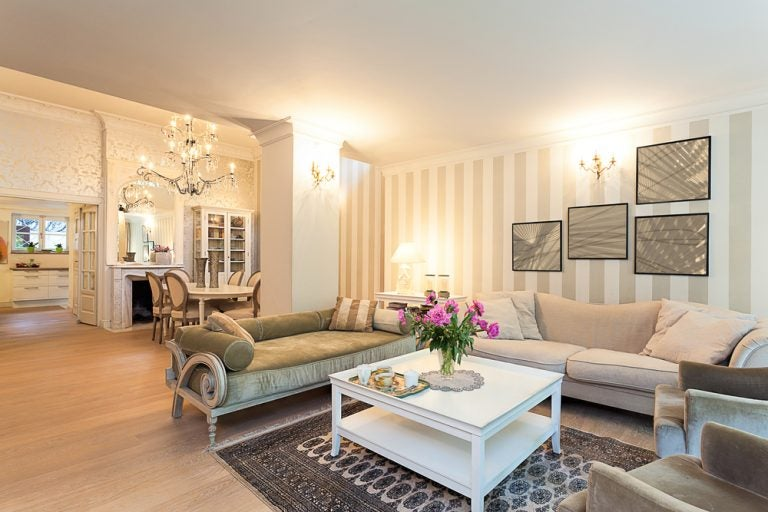 Importância do equilíbrio em sua sala de estar projetada