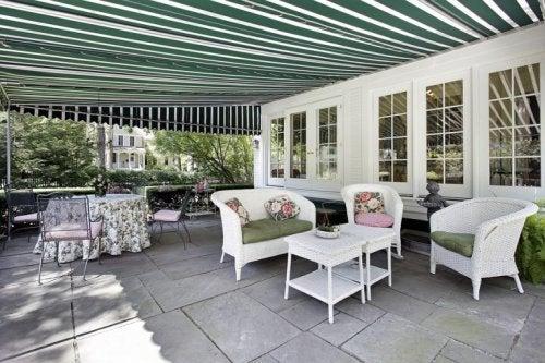 4 ideias de toldos para o terraço
