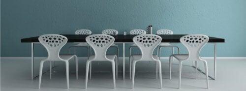 Cadeiras da sala de jantar: como escolhê-las corretamente