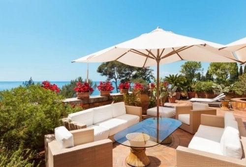 Os 4 melhores ombrelones para o terraço