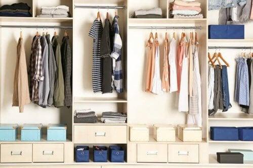Dicas para ajudá-lo a organizar seu guarda-roupa de verão