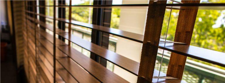 Dicas para escolher as cortinas ou persianas para a cozinha