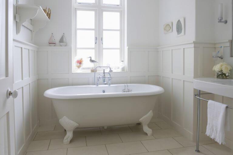 O que as banheiras antigas fornecem?