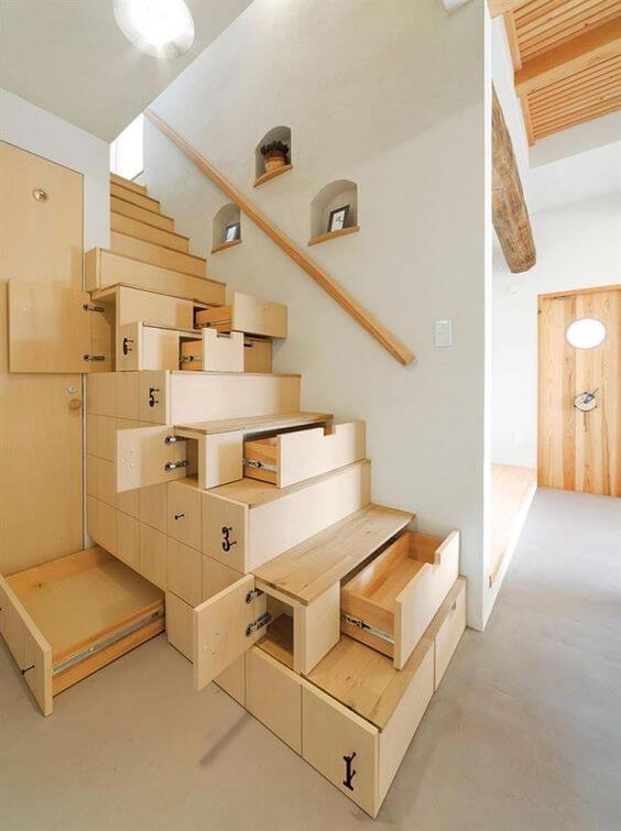 escada-cômoda