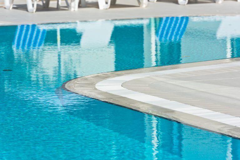 piscina transbordante