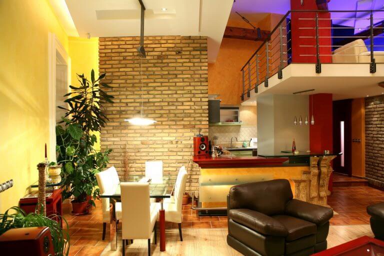 sala de jantar e sala de estar integradas no estilo industrial
