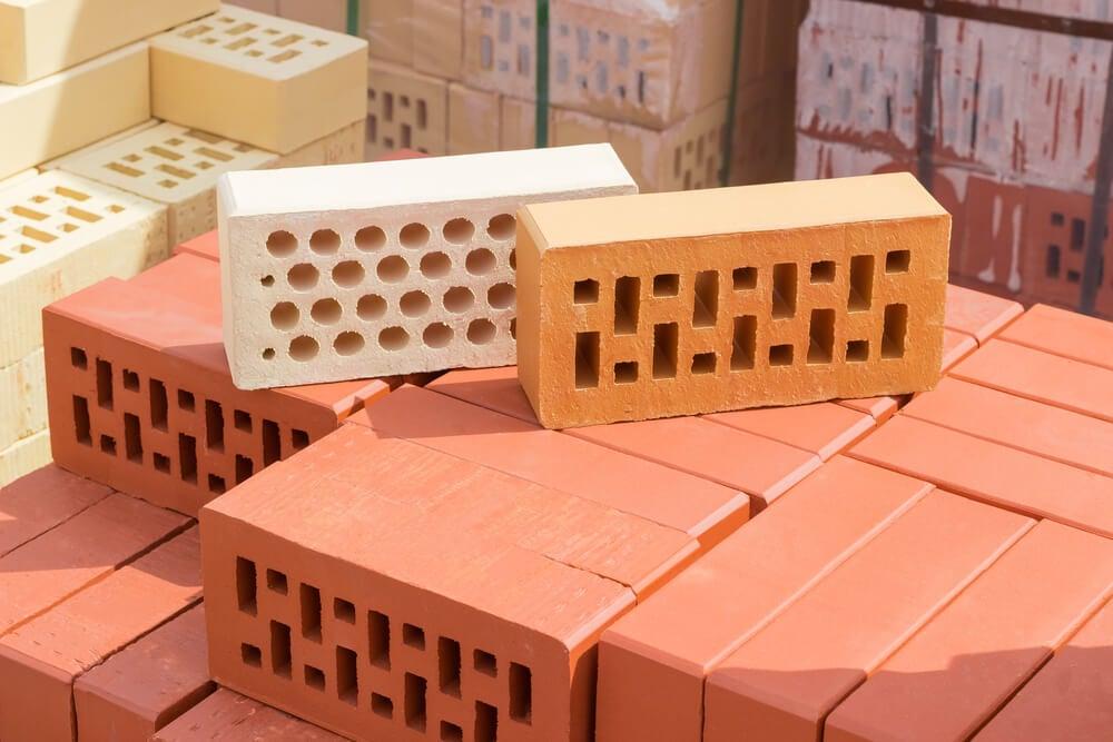 Crie a sua própria estante com tijolos