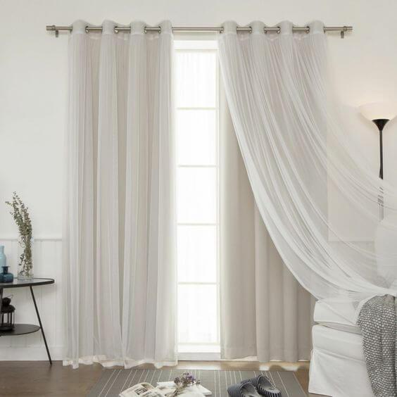 Uso de cortinas com véus no quarto