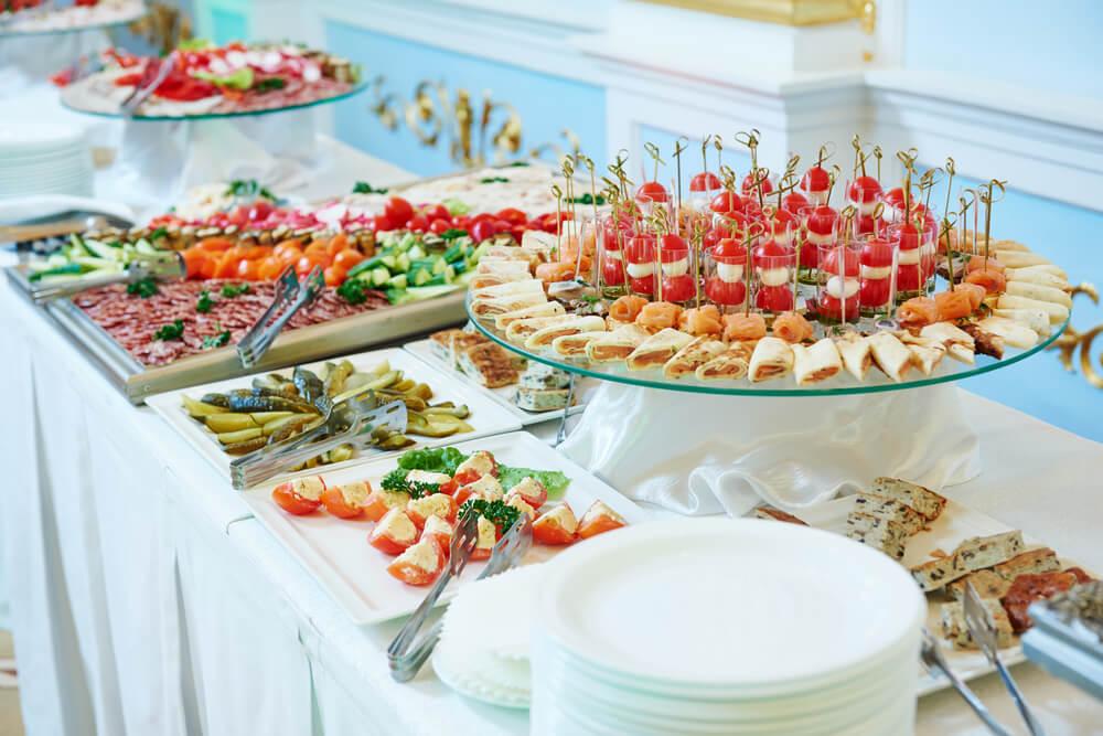organizar buffet em casa mesas