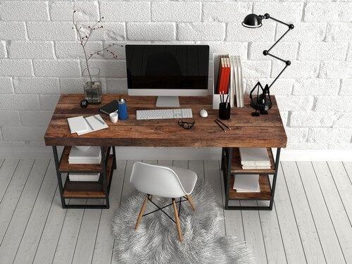 Dicas para criar uma área de trabalho e estudo bem iluminada