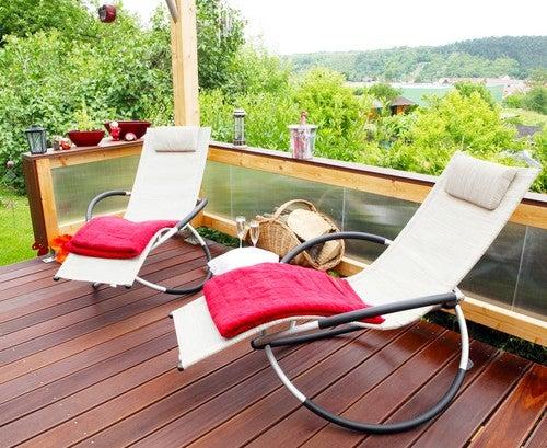 Cadeiras de balanço fantásticas para o seu terraço