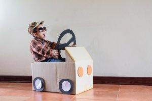carro de papelão