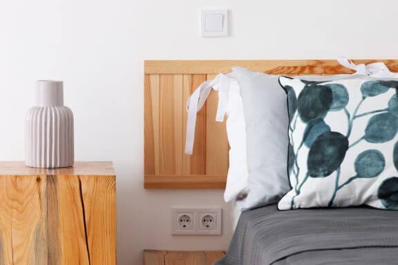4 ideias para criar mesas com troncos de madeira