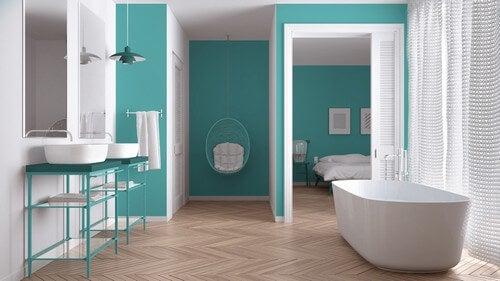 Crie um ambiente cativante com banheiros azul-turquesa