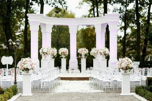 Como decorar o altar para um casamento