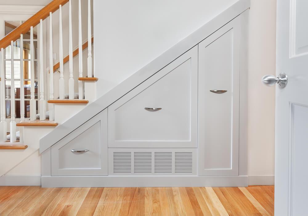 Armário integrado na escada