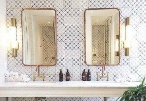 espelhos com aspectp envelhecido