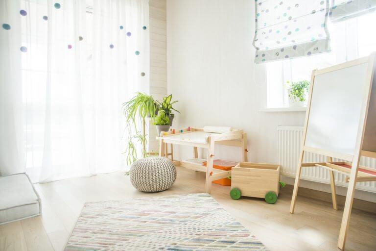 Tente economizar espaço no quarto-área de estudos para as crianças