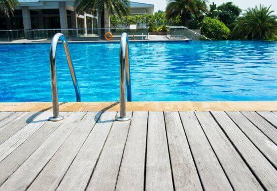 O que é necessário para instalar uma piscina?