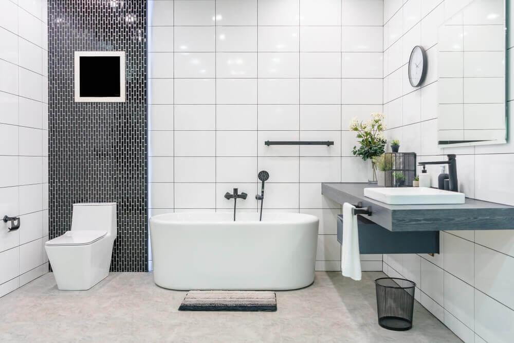 Banheiro moderno com tendência minimalista