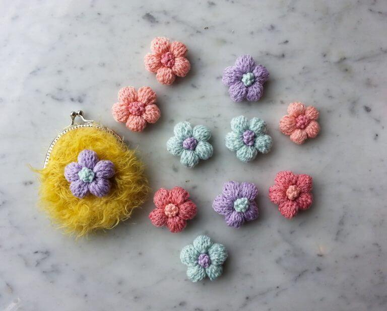 Crie um buquê de flores de crochê
