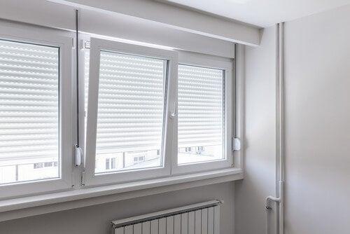 É sempre importante que a luz natural entre nas casas, ao invés da luz artificial, que é mais prejudicial ao olho humano