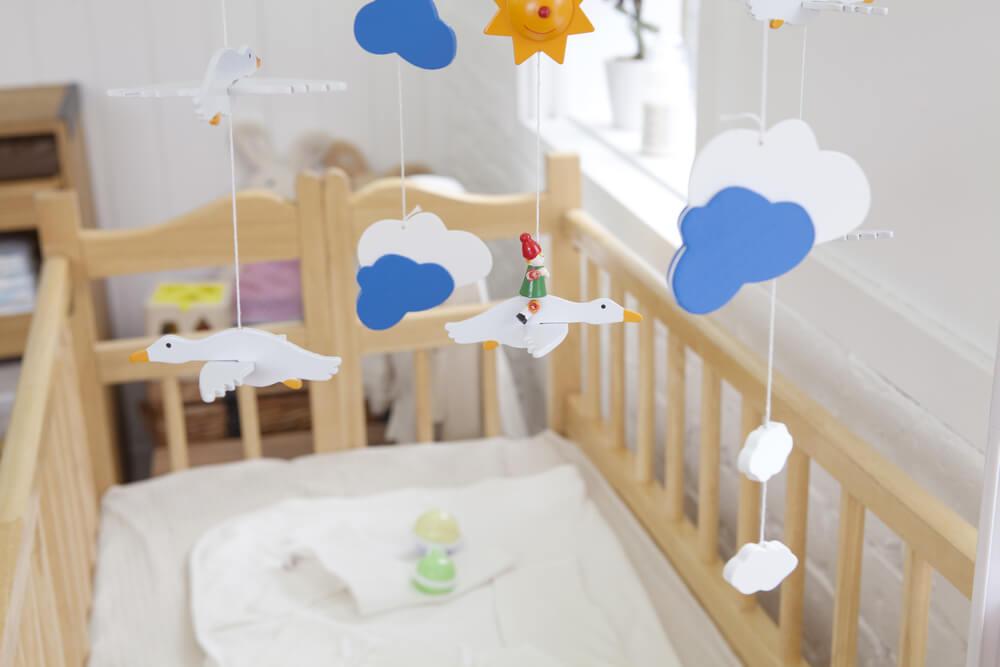 3 passos para fazer um móbile para bebês