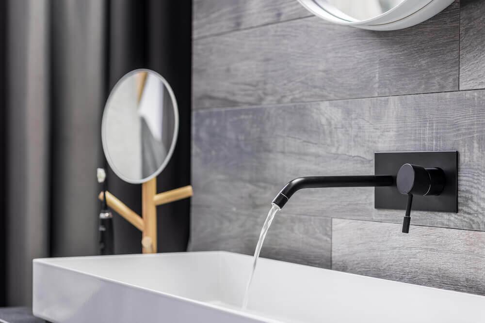 Tendências em decoração para banheiros: aposta em cores claras