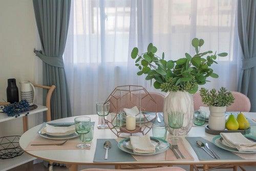 A alegria da primavera na sua sala de jantar
