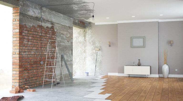 Diferentes fases da construção de uma casa
