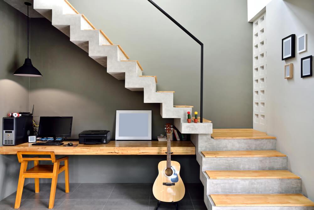 7 novas ideias para o espaço embaixo das escadas