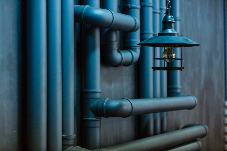Instalações de gás, luz e água