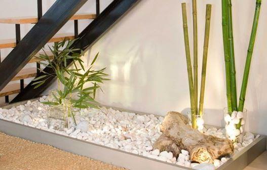 jardins decorativos sob escadas