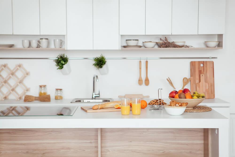 10 maneiras de fazer a sua cozinha parecer maior