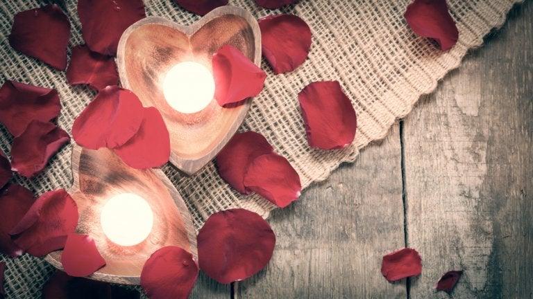 Centros de mesa com velas flutuantes
