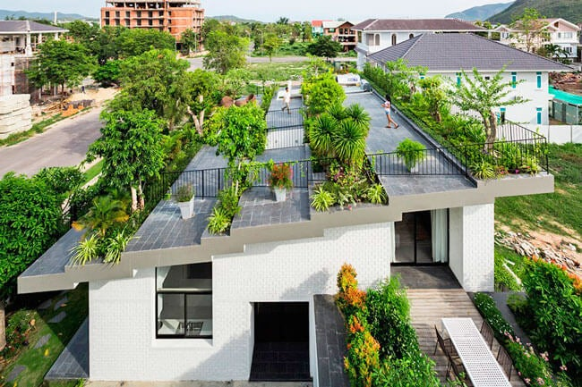 Um telhado verde em uma residência familiar